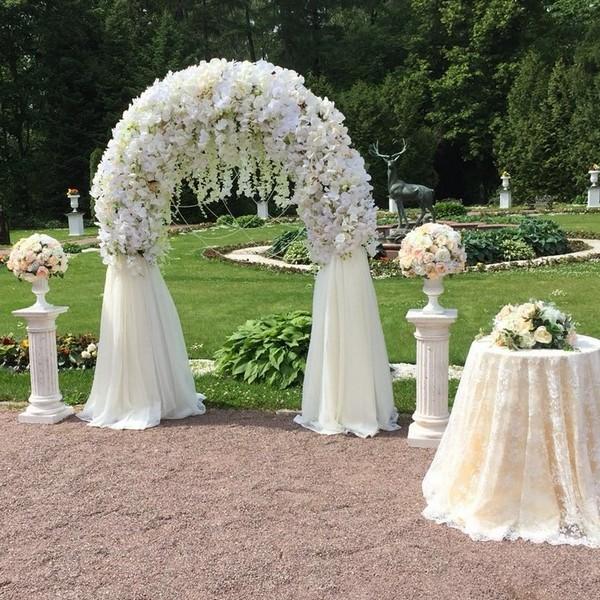 Декоративная арка из цветов на заказ - Москва